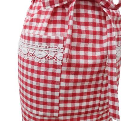 Küchen-Latzschürze Helena rot-weiß - Detailansicht Tasche