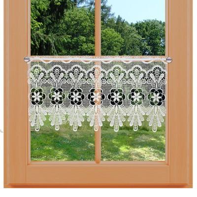 Spitzengardine Felicia Traditionelle Plauener Spitze am Fenster