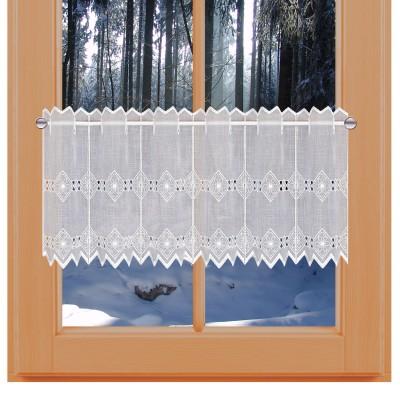 Feenhaus-Spitzen-Gardine Elly an einem Winterfenster