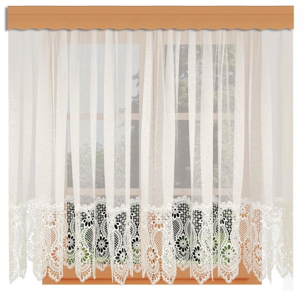 Spitzen-Store Margaret Naturfarben mit 30 cm breiter Spitzenkante aus Echter Plauener Spitze am Fenster