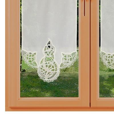 Spitzen-Scheibengardinenhänger Romina mit Motiv 37 cm breit kurz am Fenster