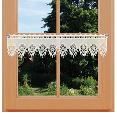 Feenhausgardine Stina natur mit Spitzenabschluss am Fenster
