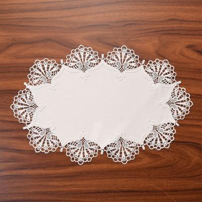 Deckchen Milou oval Echte Plauener Spitze weiß 24 x 38 cm