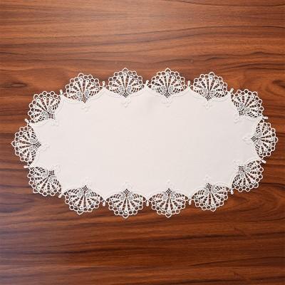 Deckchen Milou oval Echte Plauener Spitze weiß 26 x 50 cm