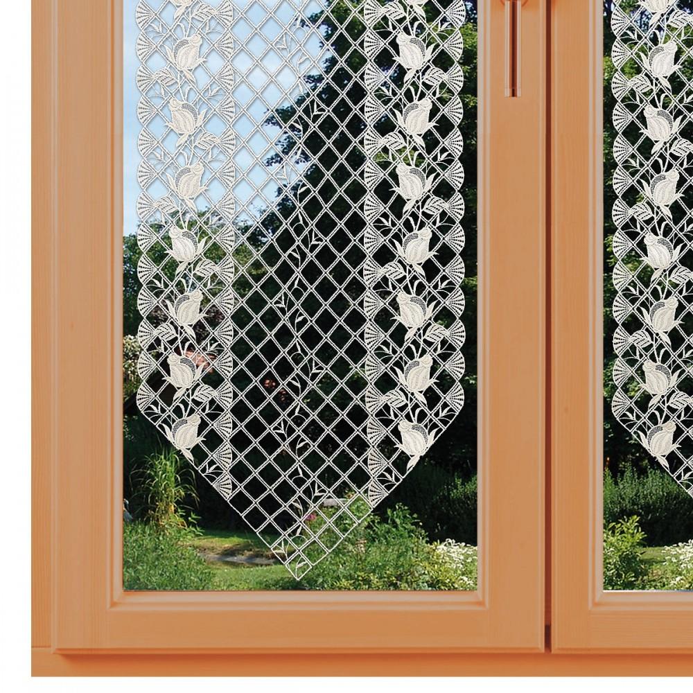 Spitzen-Scheibenhänger Anja mit Rosenmuster an einem Fenster