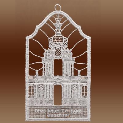 Klassisches Fensterbild Dresdner Zwinger Kronentor aus Echter Plauener Spitze weiß Einzeldarstellung