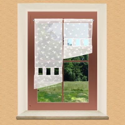 Flächengardine Jolina mit zarter Stickerei am Fenster