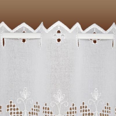 Landhausgardine Antonett mit weißer Schmetterlings-Stickerei Detailausschnitt Stablöcher