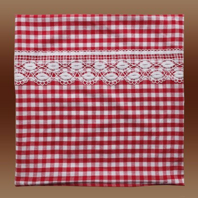 Kissenhülle Helena mit Spitze rot-weiß kariert 50 x 50
